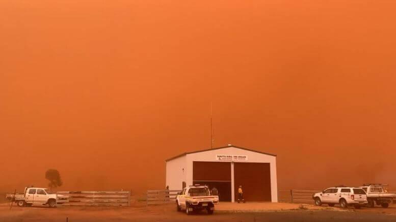 Dust Storm at Barratta Condobolin NSW