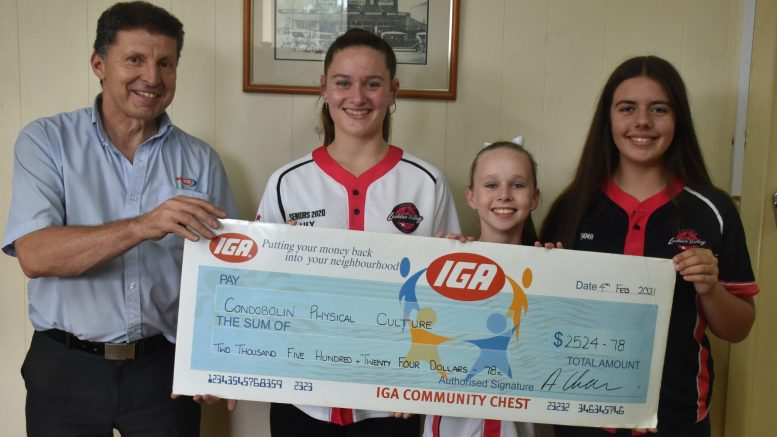Lachlan Valley United Physie members and Lily Waller, Maya Doyle and Emma Buckland, with Chamen's Supa IGA Store Manager Christian Dagorne. The Local organisation received $2,524.78 as a result of the store's Community Chest program. Image Credit: Melissa Blewitt.