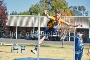 Riley Keen broke the 15 Year Boys Discus record with a throw of 40.66 metres. This record was previously held by Jed White (2013) with a distance of 34.1 metres. Riley also had a great day at high jump, taking first place in the 15 Years category. Image Credit: Melissa Blewitt.