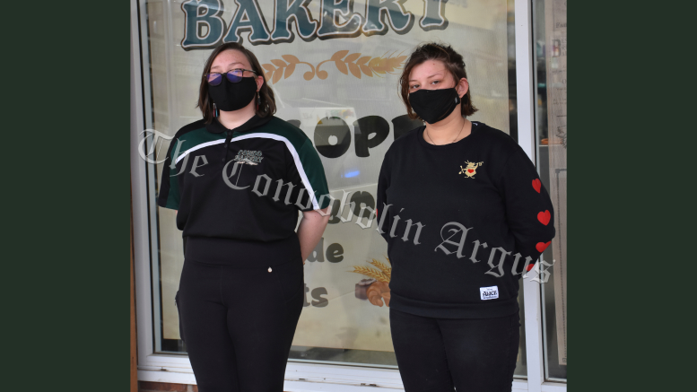 Close friends Catherine McDonald and Jessica Kiss share many things in common, including having a job at the Condo Bakery. However, on Sunday, 22 August Catherine's cool head helped save Jessica's life, when she went into anaphylactic shock. Image Credit: Melissa Blewitt.